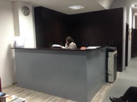 Έπιπλο υποδοχής (Reception) και γωνιακή ντουλάπα αρχειοθέτησης σε Κ.Ε.Κ στις Σέρρες