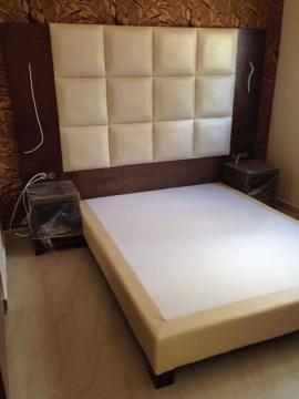 Κρεβάτι ντυμένο σε ξενοδοχείο της Χαλκιδικής