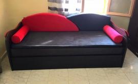 Καναπές-κρεβάτι σε ξύλο δρυς, με 2 στρώματα, αυτόματο μηχανισμό, υφάσματα και μαξιλάρια