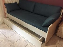 Καναπές-κρεβάτι με στρώμα και αποθηκευτικό συρτάρι σε πολλά χρώματα και υφάσματα