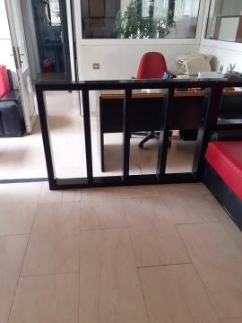 Ξύλινα κάγκελα εσωτερικού χώρου σπιτιών και καταστημάτων