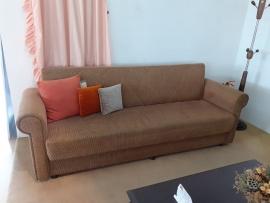 Καναπές-κρεβάτι/μπαούλο 3θέσιος με στρόγγυλα μπράτσα σε κλασική γραμμή