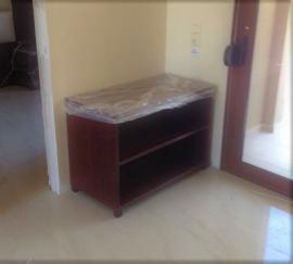 Έπιπλο τηλεόρασης σε δωμάτιο ξενοδοχείου της Χαλκιδικής